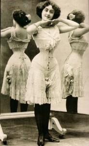 dd7b1ae9dd1525fbb95608950e98b078--vintage-corset-victorian-corset